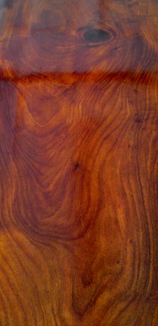 True Beauty of Mahogany Timber Revealed Through French Polishing